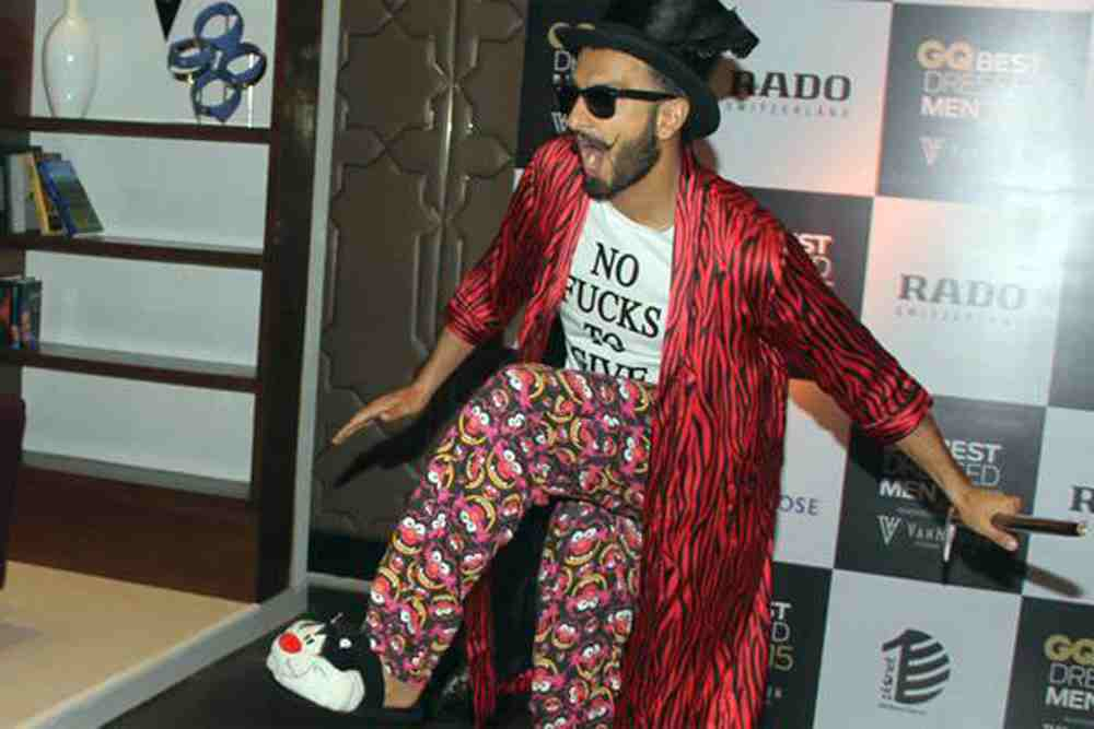 BIZARRE LOOKING ATTIRES WORN BY BOLLYWOOD CELEBRITIES