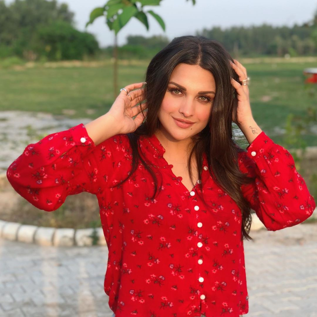 Singer and actress Himanshi Khurana
