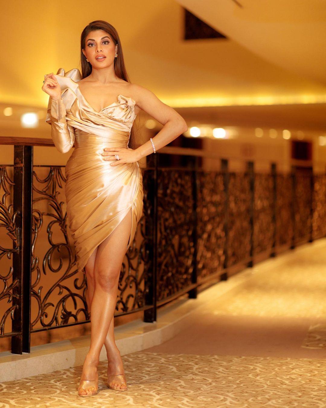 Actress Jacqueline Fernandez Images