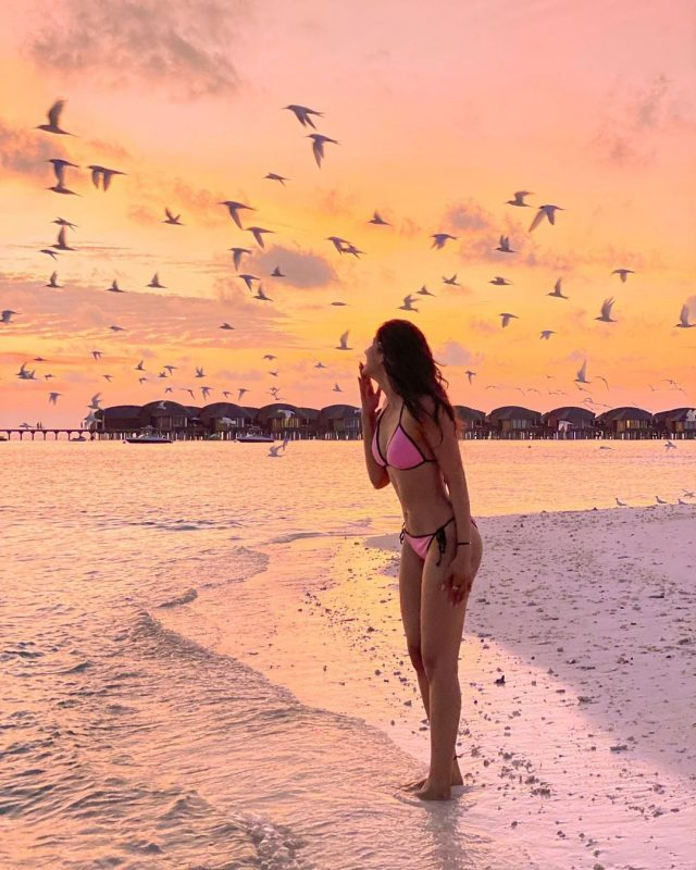 sakshi malik in pink bikini picture