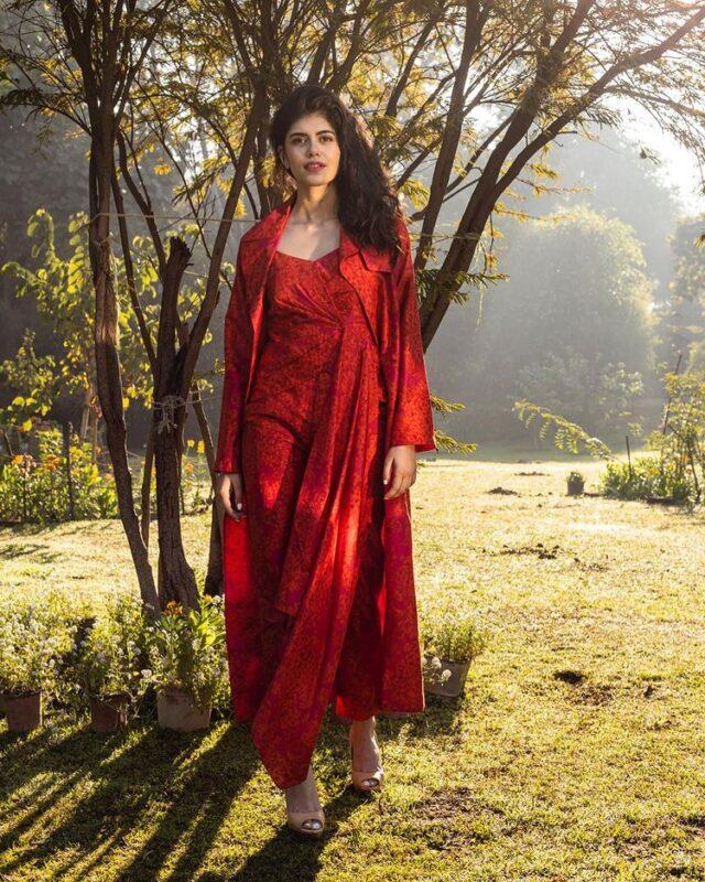 sanjana sanghi in ethnic red kurta images