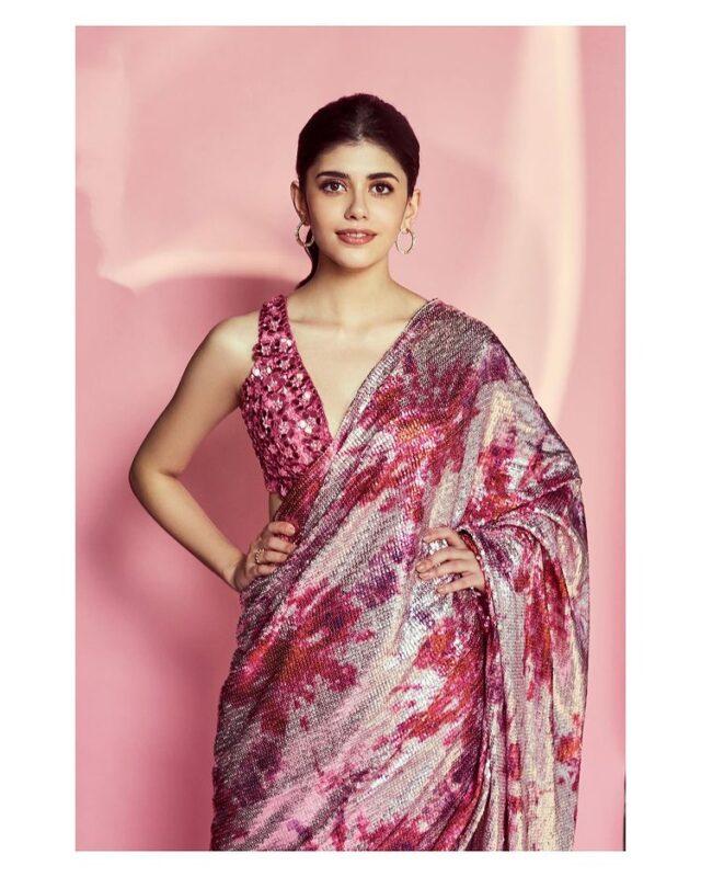 dil bechara actress sanjana sanghi in hot pink floral pictures