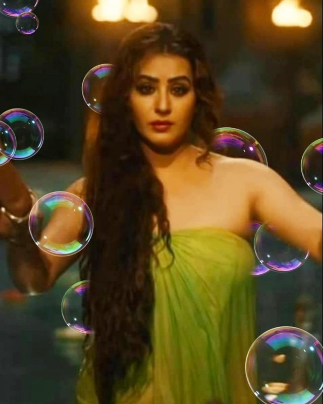 shilpa shinde bathing in paurashpur