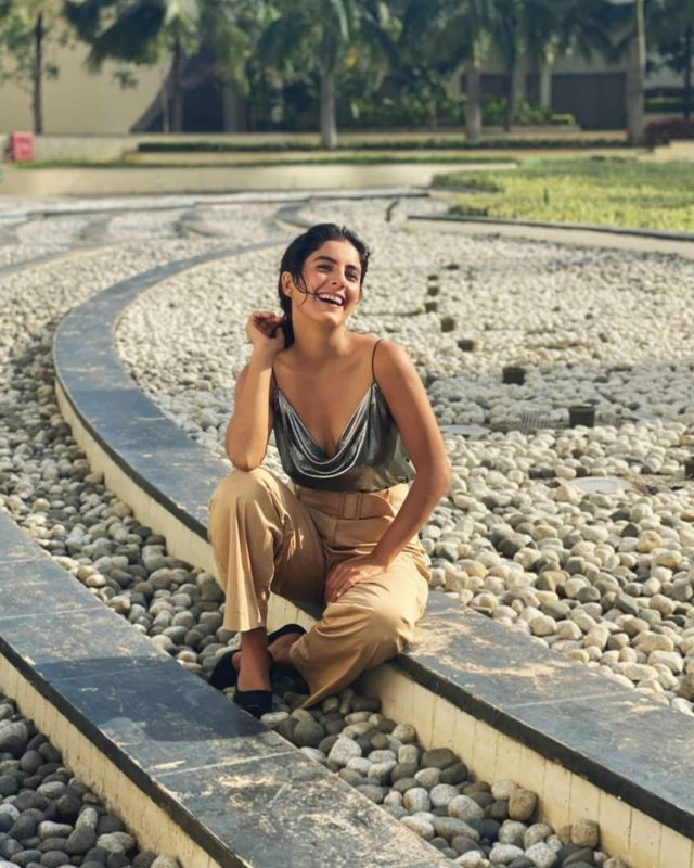 Isha Talwar Aka Madhuri Bhabhi from Mirzapur 2 hot and bold pictures
