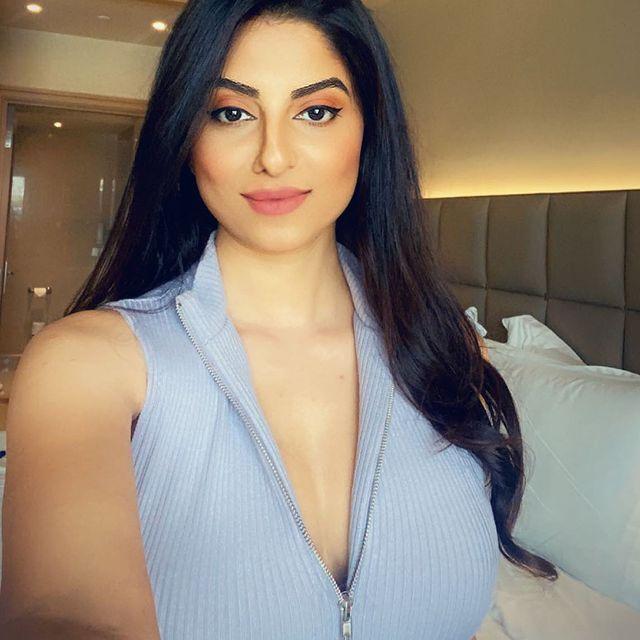 Sexiest Indian Model Ekta Maru