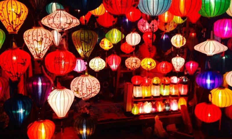 Coloured lanterns and lamps for diwali gift